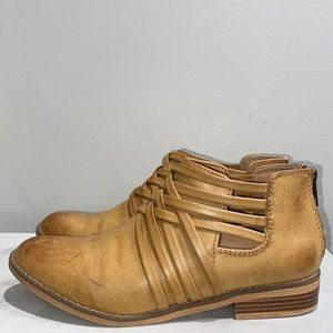 Rocket Dog Tan Ankle Booties Size 8